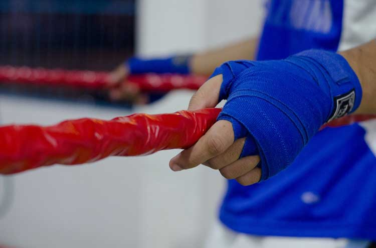how-to-wrap-your-hands-for-boxing-gloves
